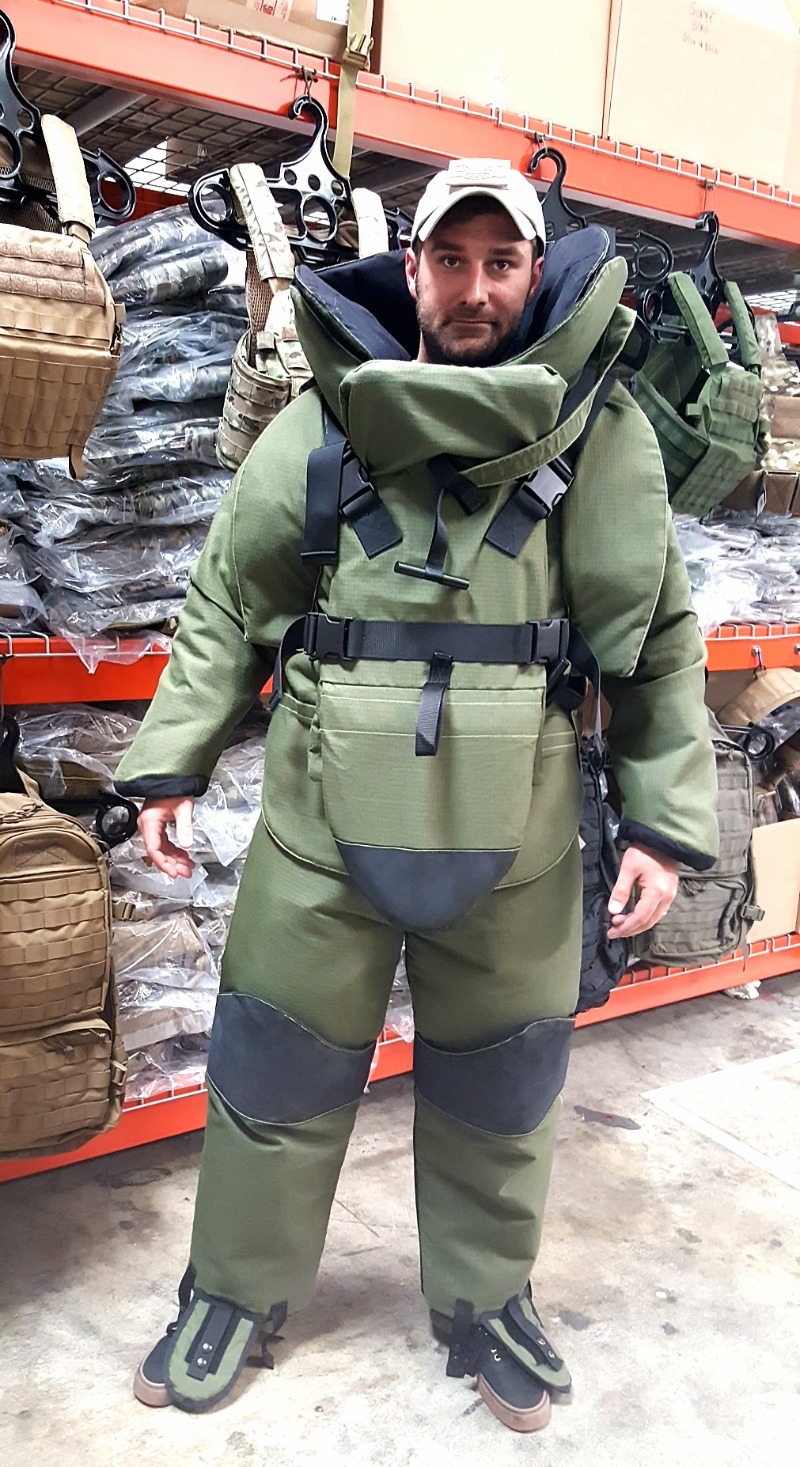 eod-10-bomb-suit-alternative.jpg