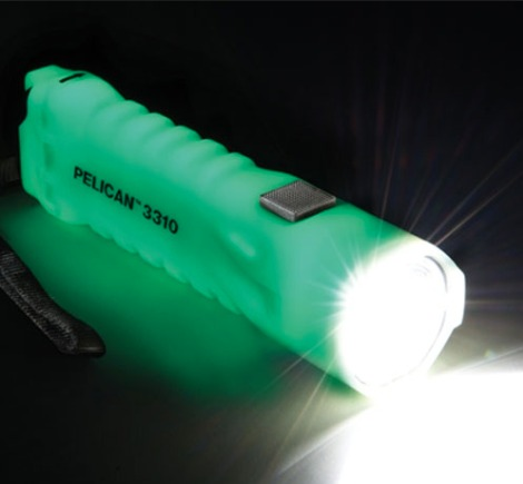 glow-in-the-dark-flashlight.jpg